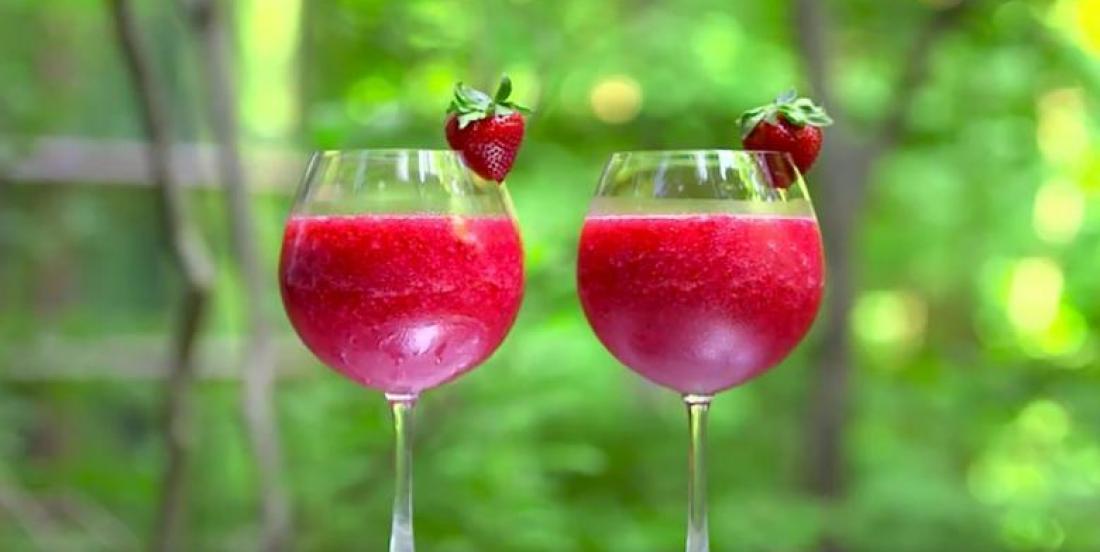 Strawberry and rosé wine slushie recipe