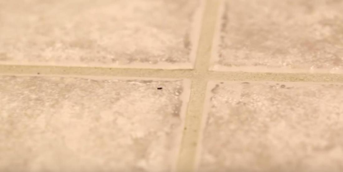 3 simple and effective ways to clean grout between floor tiles