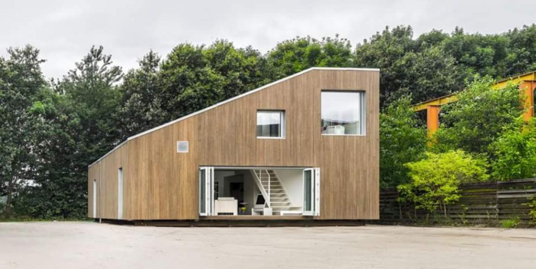 Can you believe it? This house is made with 3 containers!