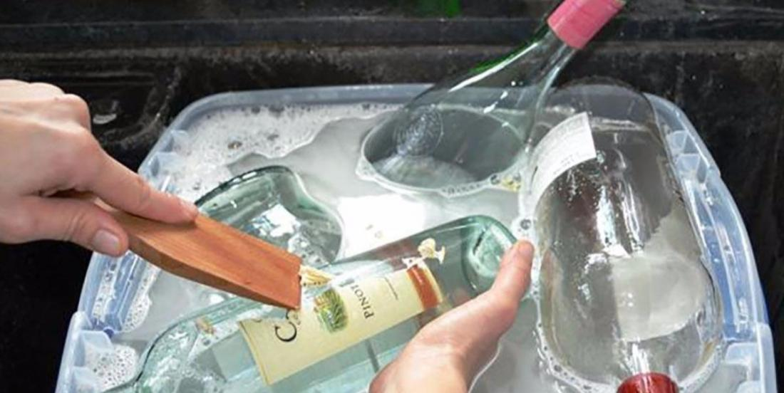 Do not throw away your empty bottles because they are absolutely perfect to decorate the house