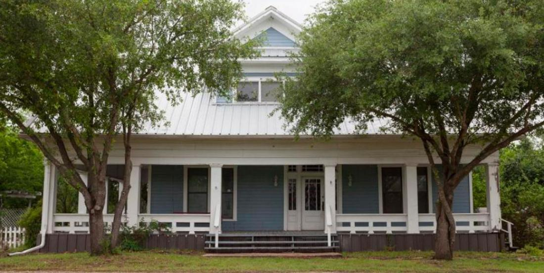 See how Chip and Joanna Gaines transformed this old farm house built in the 1880s