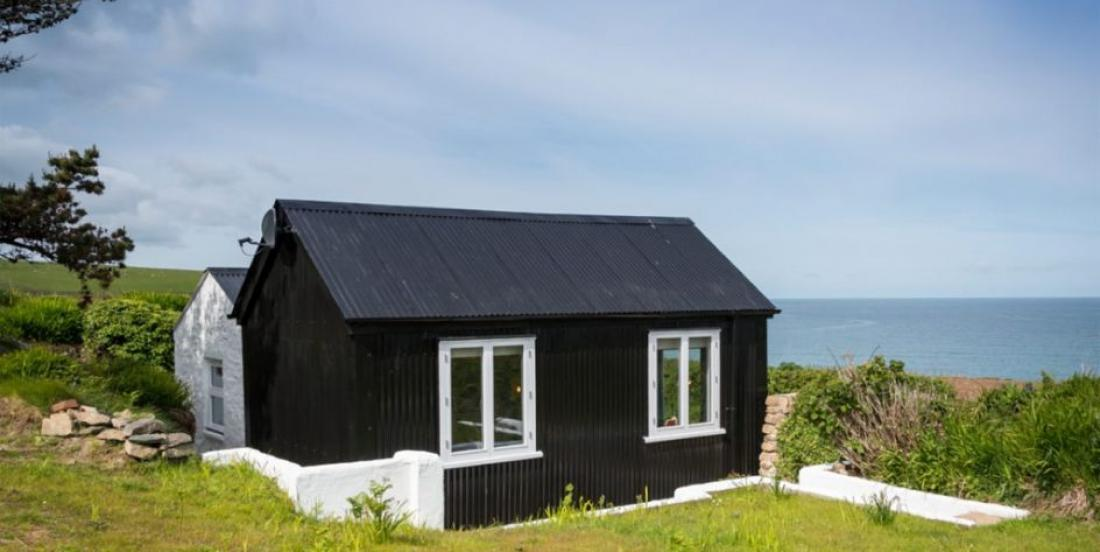 This cottage is the best proof that we should never judge a house by its exterior.
