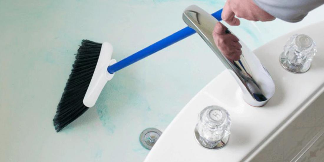 A simple and effective tip to clean the bathtub that we would have liked to know before