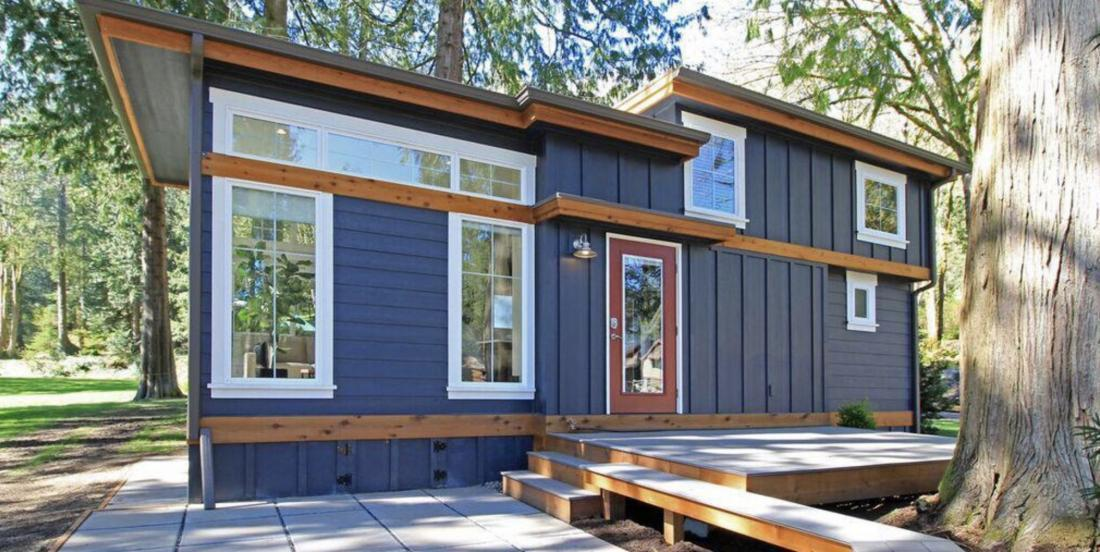 The interior of this 400-square-foot tiny house is amazing and very surprising.