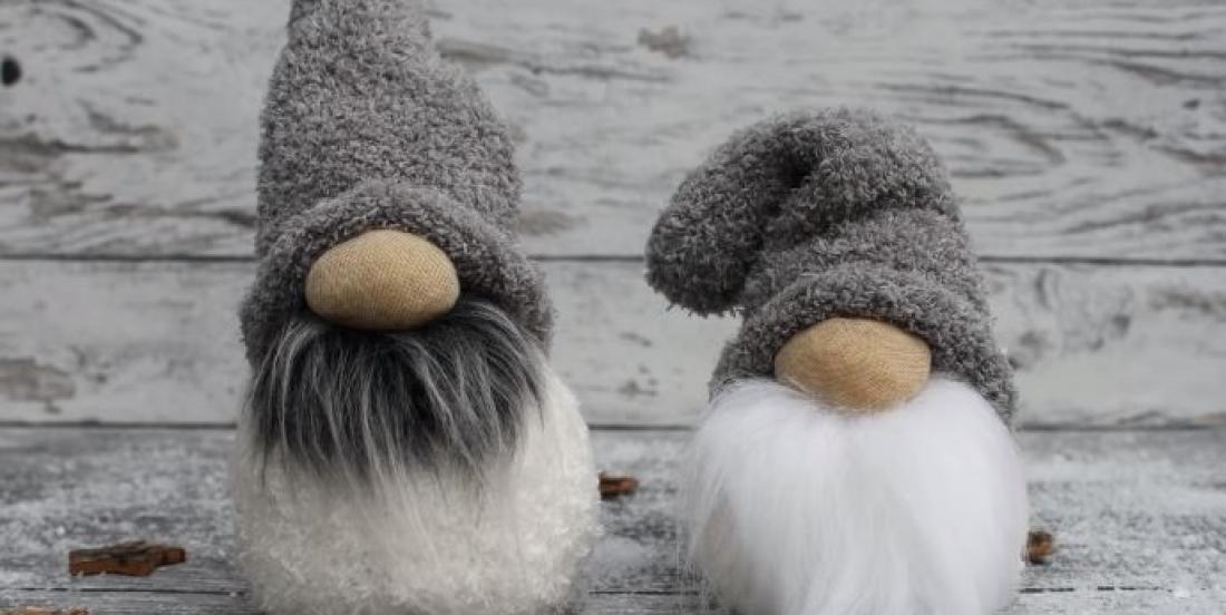DIY: Lovely Christmas gnomes made from socks!
