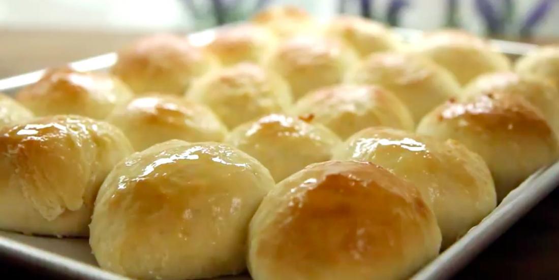 Delicious homemade bread rolls recipe.